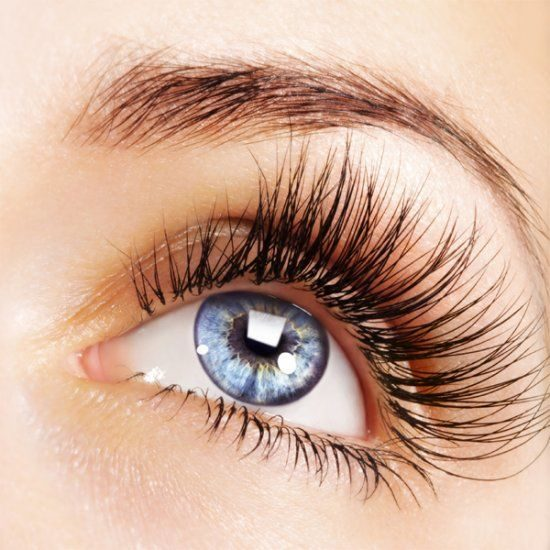 Beautiful eyelash extensions in Hyde